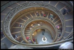 vatican-museum-escadarias.jpg